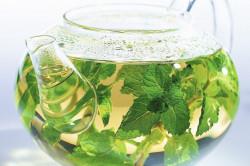 Чай из листьев мяты и земляники для снижения уровня сахара