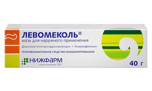 Левомеколь является комбинированным препаратом, который оказывает противовоспалительное действие, и в его составе есть только основные компоненты