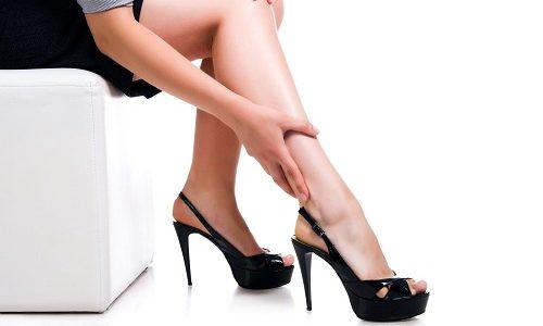 Варикозное расширение вен на ногах - это заболевание, сопровождающееся расстройством функций венозных клапанов