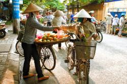 Смена привычной пищи в путешествии - причина желтого поноса