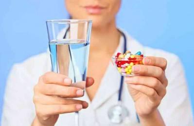 Ципрофлоксацин принимаем под наблюдением врача